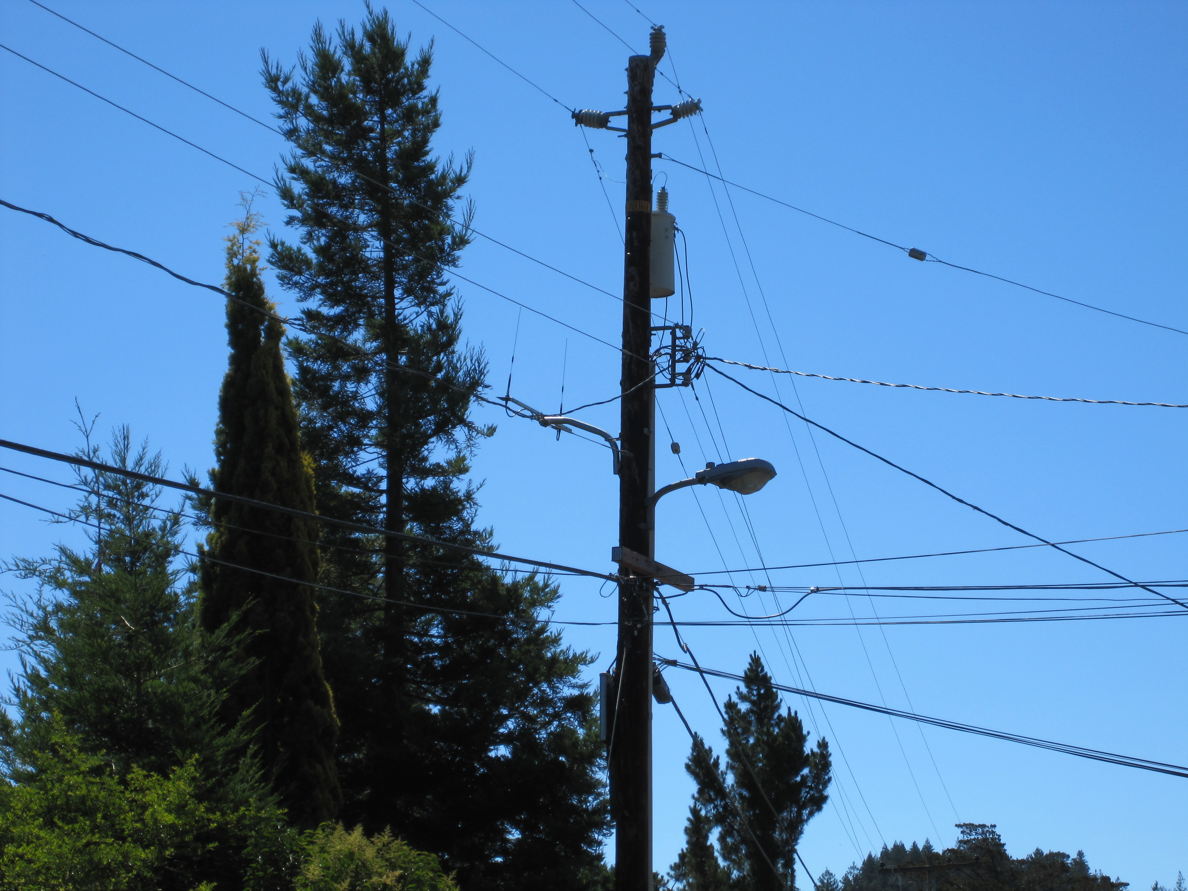 Electrical Power Poles : How pg e is breaking the law and forcing smart meters onto